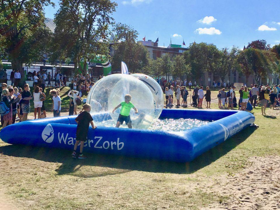 Bastad waterzorb tennisveckan vattenbollar